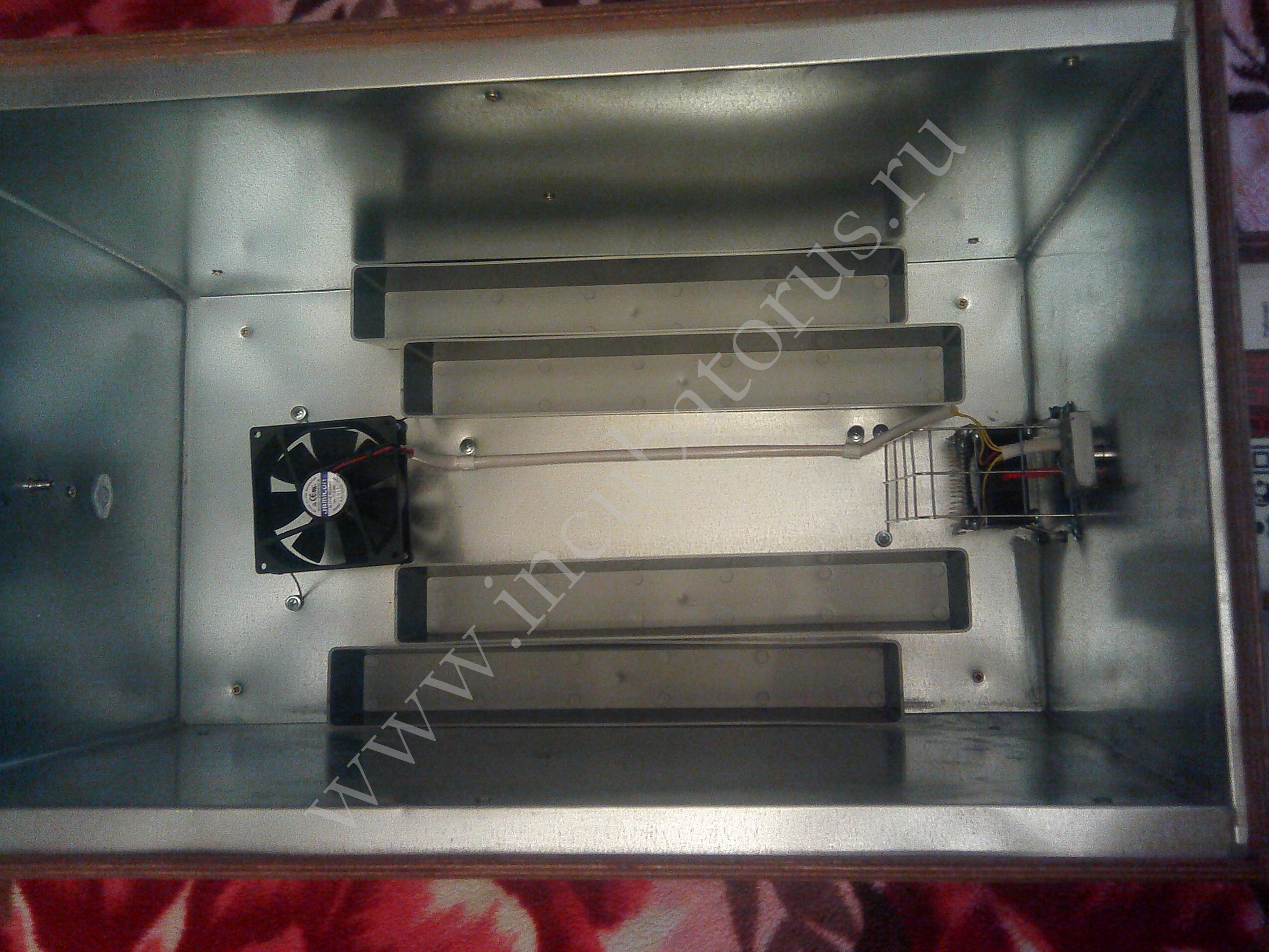 Инкубатор БЛИЦ-120: купить, описание, вместимость.