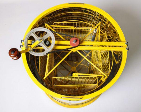 Медогонка Донская пчела, оборотная, ротор 4-х рамочный